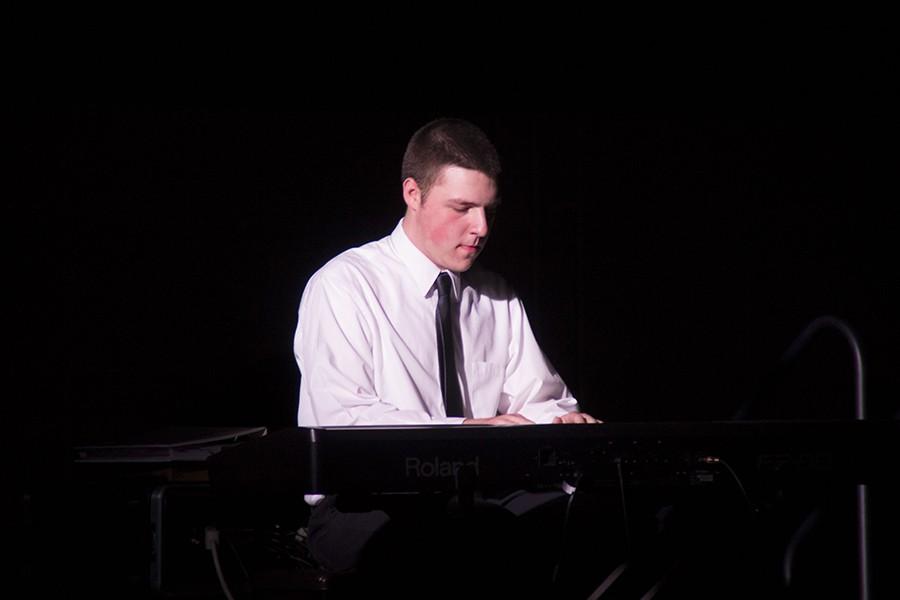 Senior+Jason+Coburn+played+%22Final+Stride%22+on+piano.