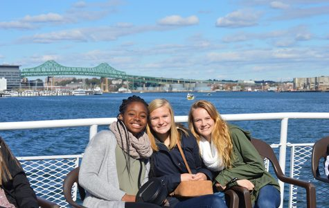 APUSH, AP Gov classes share common curriculum, walk Freedom Trail together