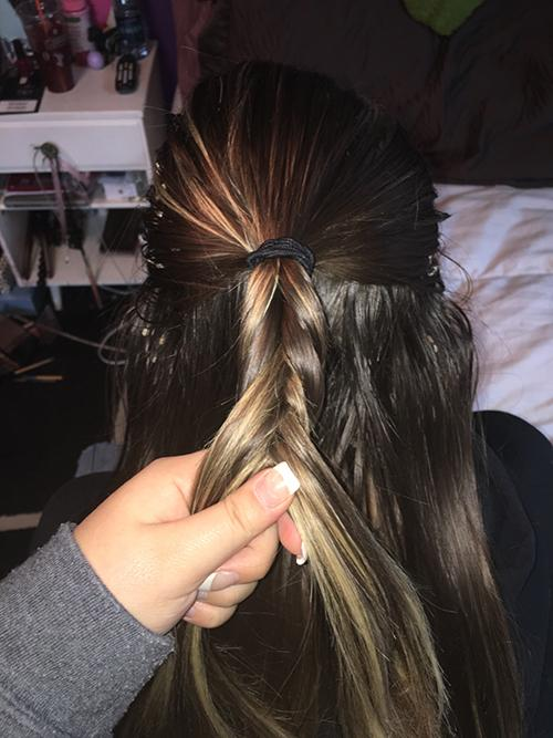 style-3_-step-3_-fishtail-the-ponytail