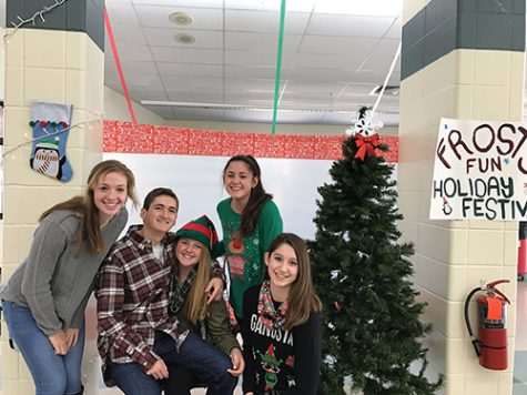 Sophomores host annual holiday event