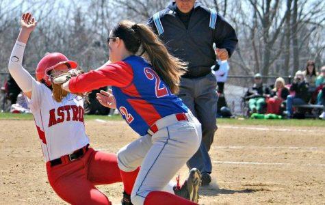 Senior captain Elizabeth Devoss puts a tag on a Pinkerton player during their game last season.