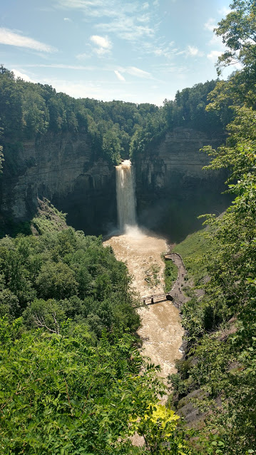 The+Taughannock+Falls+located+near+Ithaca+NY%2C+is+one+of+the+tallest+waterfall+in+the+eastern+United+States.+
