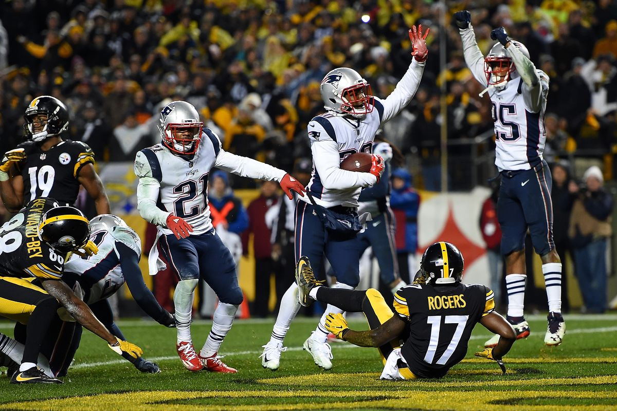 Patriots celebrate after the Steelers are