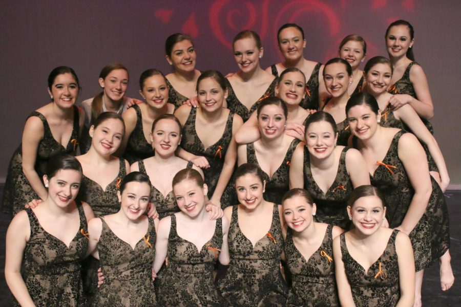 Robbins+gets+ready+to+dance+with+her+team+at+the+Make-A-Wish+Benefit+Performance.