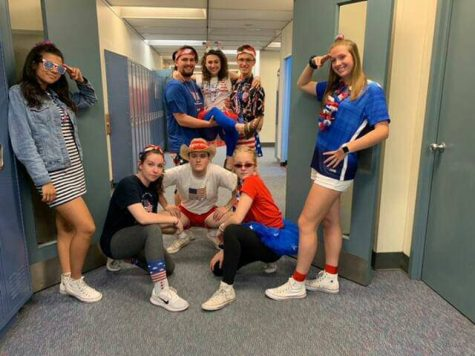 LSO Gallery: Seniors celebrate last spirit day