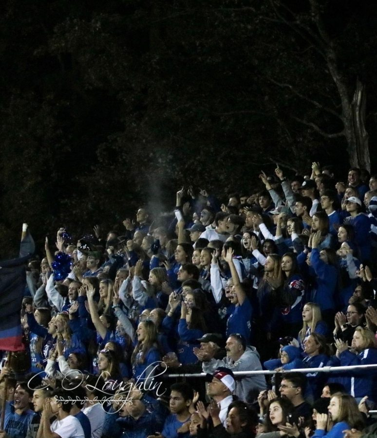 Londonderry+fan+section+cheers+on+the+football+team.+The+Lancers+won+42-20.