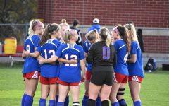 Girls' varsity soccer defeats Goffstown, onto semifinals