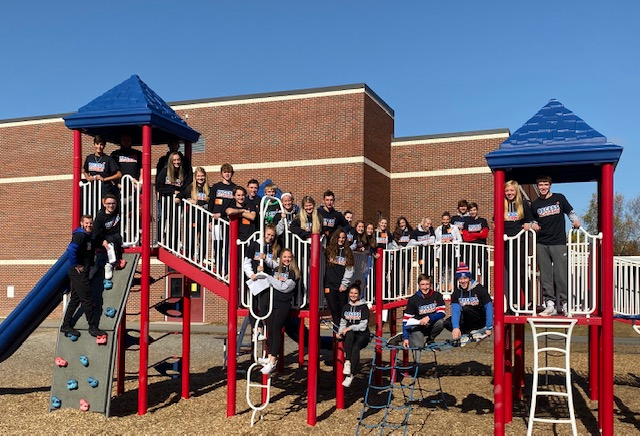 LHS fall athletes play recess games with Mathew Thornton students during Recess Academy.