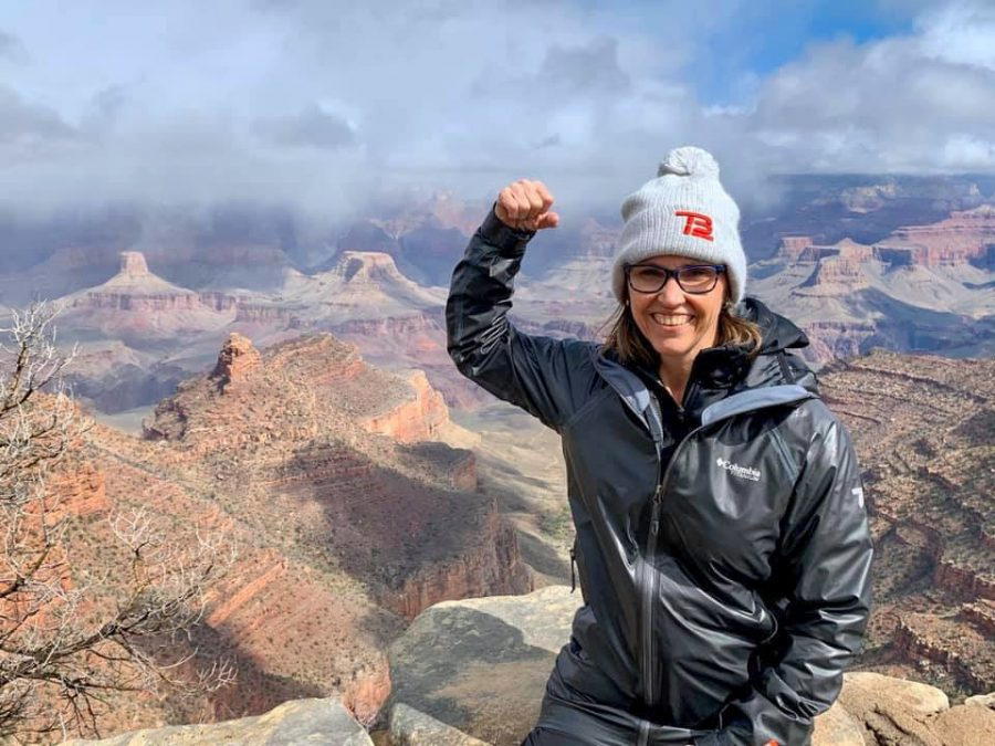 Michelle+flexes+over+the+Grand+Canyon+during+her+last+trip+to+Arizona