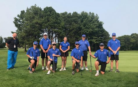 Londonderry Golf team are standing proud ready for Mack Plaque 2020 to commence. Even though they had lost, they are very proud of how they did.